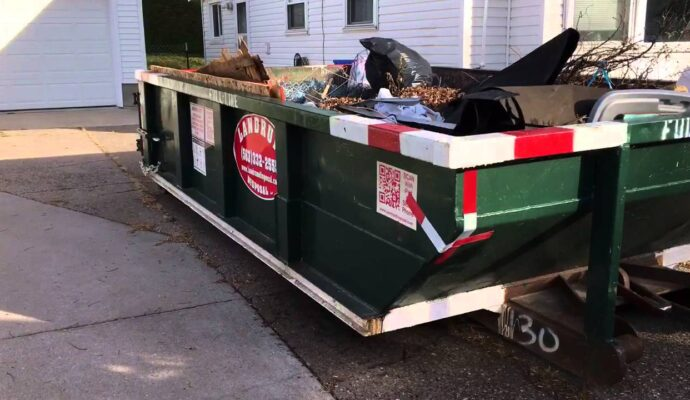 10 Yard Containers-Palm Beach County's Best Dumpster Removal Services-We Offer Residential and Commercial Dumpster Removal Services, Dumpster Rentals, Bulk Trash, Demolition Removal, Junk Hauling, Rubbish Removal, Waste Containers, Debris Removal, 10 Yard Containers, 15 Yard to 20 Yard to 30 Yard to 40 Yard Container Rentals, and much more!