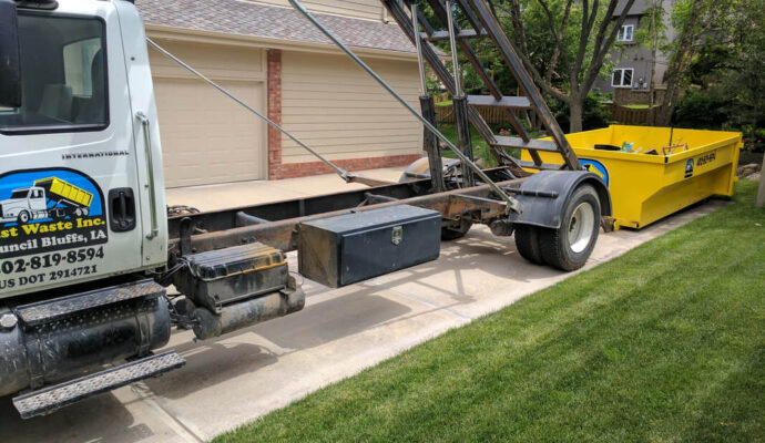 Residential Dumpster Removal-Palm Beach County's Best Dumpster Removal Services-We Offer Residential and Commercial Dumpster Removal Services, Dumpster Rentals, Bulk Trash, Demolition Removal, Junk Hauling, Rubbish Removal, Waste Containers, Debris Removal, 10 Yard Containers, 15 Yard to 20 Yard to 30 Yard to 40 Yard Container Rentals, and much more!