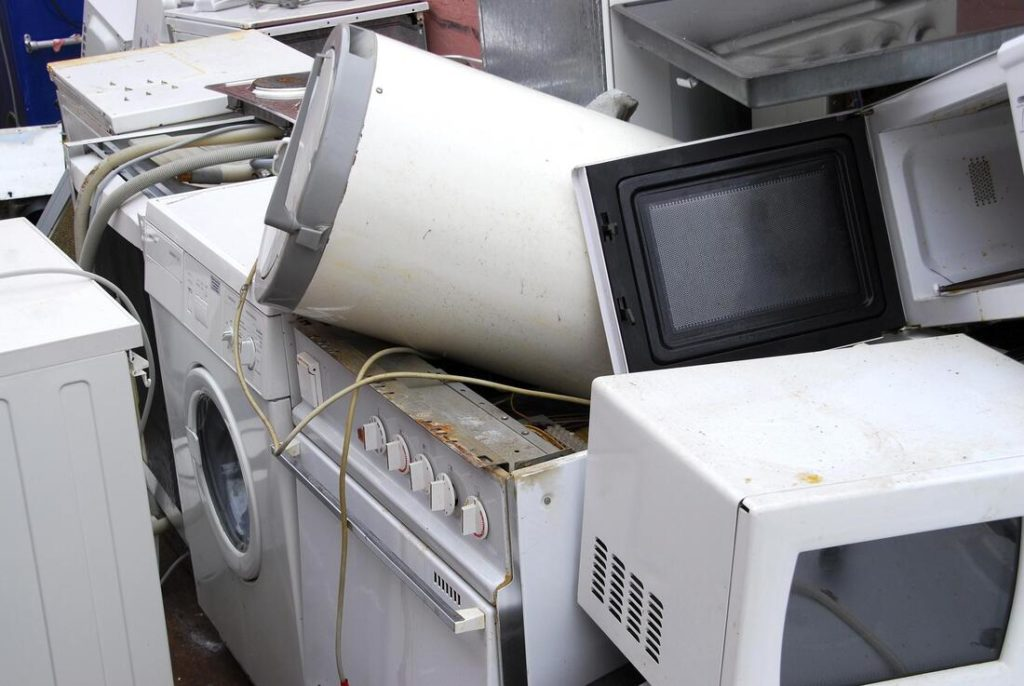 Appliance removal-Palm Beach County's Best Dumpster Removal Services-We Offer Residential and Commercial Dumpster Removal Services, Dumpster Rentals, Bulk Trash, Demolition Removal, Junk Hauling, Rubbish Removal, Waste Containers, Debris Removal, 10 Yard Containers, 15 Yard to 20 Yard to 30 Yard to 40 Yard Container Rentals, and much more!