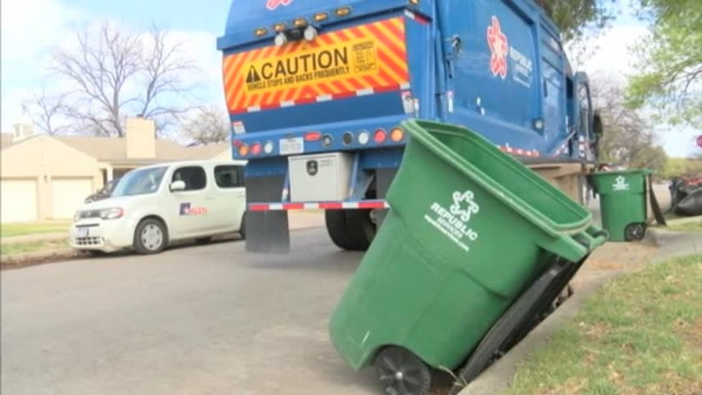 Bulk pick-ups-Palm Beach County's Best Dumpster Removal Services-We Offer Residential and Commercial Dumpster Removal Services, Dumpster Rentals, Bulk Trash, Demolition Removal, Junk Hauling, Rubbish Removal, Waste Containers, Debris Removal, 10 Yard Containers, 15 Yard to 20 Yard to 30 Yard to 40 Yard Container Rentals, and much more!