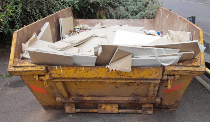 Construction debris removal-Palm Beach County's Best Dumpster Removal Services-We Offer Residential and Commercial Dumpster Removal Services, Dumpster Rentals, Bulk Trash, Demolition Removal, Junk Hauling, Rubbish Removal, Waste Containers, Debris Removal, 10 Yard Containers, 15 Yard to 20 Yard to 30 Yard to 40 Yard Container Rentals, and much more!