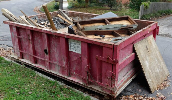 Dumpster rental 10 yard-Palm Beach County's Best Dumpster Removal Services-We Offer Residential and Commercial Dumpster Removal Services, Dumpster Rentals, Bulk Trash, Demolition Removal, Junk Hauling, Rubbish Removal, Waste Containers, Debris Removal, 10 Yard Containers, 15 Yard to 20 Yard to 30 Yard to 40 Yard Container Rentals, and much more!