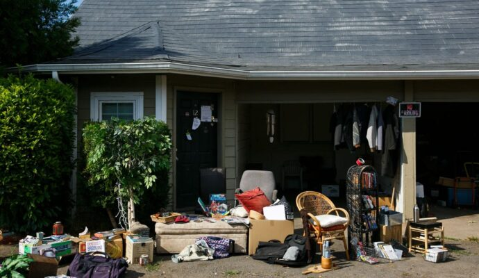 HOA schedule pick-ups-Palm Beach County's Best Dumpster Removal Services-We Offer Residential and Commercial Dumpster Removal Services, Dumpster Rentals, Bulk Trash, Demolition Removal, Junk Hauling, Rubbish Removal, Waste Containers, Debris Removal, 10 Yard Containers, 15 Yard to 20 Yard to 30 Yard to 40 Yard Container Rentals, and much more!