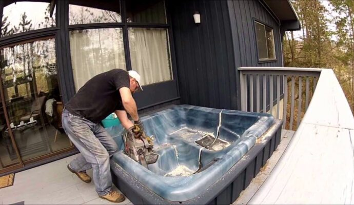 Hot tub disposal-Palm Beach County's Best Dumpster Removal Services-We Offer Residential and Commercial Dumpster Removal Services, Dumpster Rentals, Bulk Trash, Demolition Removal, Junk Hauling, Rubbish Removal, Waste Containers, Debris Removal, 10 Yard Containers, 15 Yard to 20 Yard to 30 Yard to 40 Yard Container Rentals, and much more!