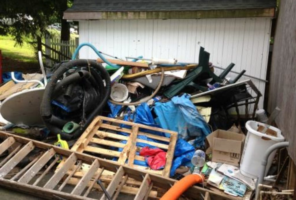 Junk removal-Palm Beach County's Best Dumpster Removal Services-We Offer Residential and Commercial Dumpster Removal Services, Dumpster Rentals, Bulk Trash, Demolition Removal, Junk Hauling, Rubbish Removal, Waste Containers, Debris Removal, 10 Yard Containers, 15 Yard to 20 Yard to 30 Yard to 40 Yard Container Rentals, and much more!