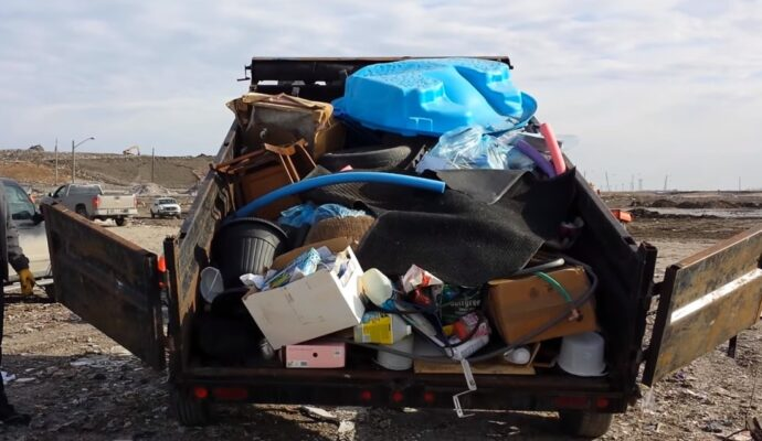 Junk removal near me-Palm Beach County's Best Dumpster Removal Services-We Offer Residential and Commercial Dumpster Removal Services, Dumpster Rentals, Bulk Trash, Demolition Removal, Junk Hauling, Rubbish Removal, Waste Containers, Debris Removal, 10 Yard Containers, 15 Yard to 20 Yard to 30 Yard to 40 Yard Container Rentals, and much more!
