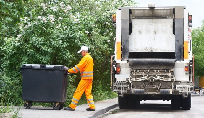 Junk removal specialists-Palm Beach County's Best Dumpster Removal Services-We Offer Residential and Commercial Dumpster Removal Services, Dumpster Rentals, Bulk Trash, Demolition Removal, Junk Hauling, Rubbish Removal, Waste Containers, Debris Removal, 10 Yard Containers, 15 Yard to 20 Yard to 30 Yard to 40 Yard Container Rentals, and much more!