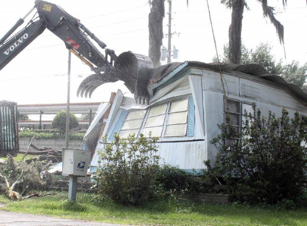 Mobile home demolition removal-Palm Beach County's Best Dumpster Removal Services-We Offer Residential and Commercial Dumpster Removal Services, Dumpster Rentals, Bulk Trash, Demolition Removal, Junk Hauling, Rubbish Removal, Waste Containers, Debris Removal, 10 Yard Containers, 15 Yard to 20 Yard to 30 Yard to 40 Yard Container Rentals, and much more!
