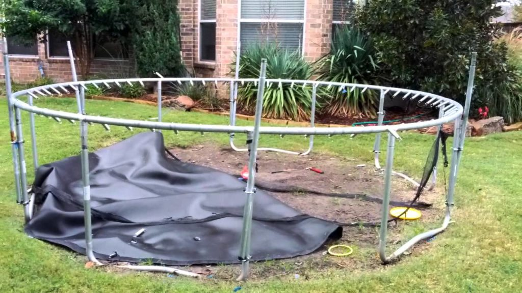 Trampoline removal-Palm Beach County's Best Dumpster Removal Services-We Offer Residential and Commercial Dumpster Removal Services, Dumpster Rentals, Bulk Trash, Demolition Removal, Junk Hauling, Rubbish Removal, Waste Containers, Debris Removal, 10 Yard Containers, 15 Yard to 20 Yard to 30 Yard to 40 Yard Container Rentals, and much more!